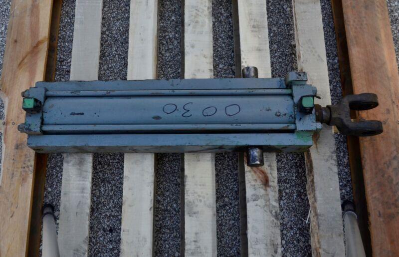 Miller H 83 Series Hydraulic Cylinder Pivot Mount
