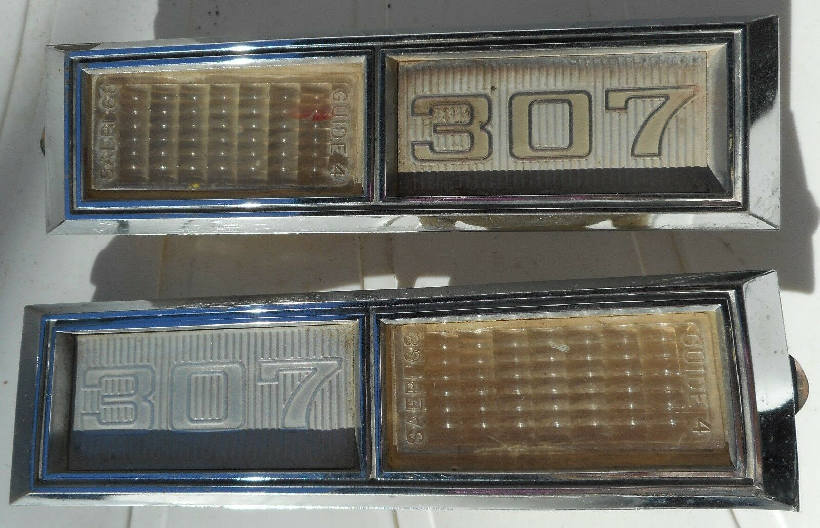 PAIR 1968 CHEVROLET CHEVY IMPALA 307 EMBLEMS SIDE MARKER LIGHTS 3920873 3920874