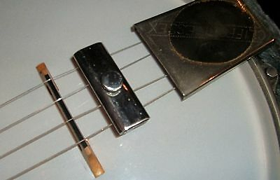 CLIFFORD ESSEX BANJO CLAMP MUTE FOR FIVE OR FOUR STRING BANJOS.