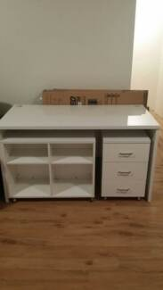 White desk polyurethane finish, 3 drawer cabinet and bookcase North Sydney North Sydney Area Preview