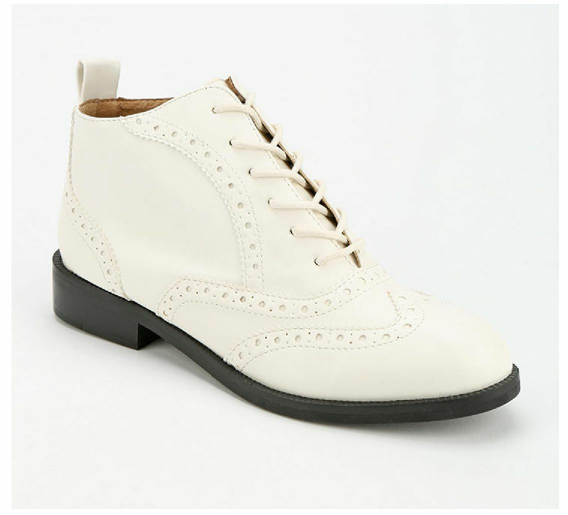 NIB Chelsea Crew Dressler Laceup BOOT for Urban Outfitters (Women EUR 37) WHITE.