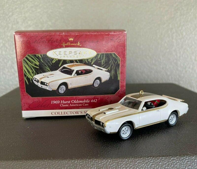 1997 Hallmark Keepsake Ornament - 1969 Hurst Oldsmobile 442 Classic Car