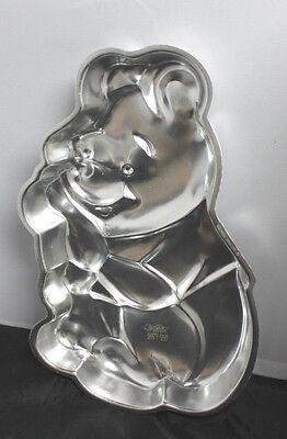 Vintage Disney Winnie the Pooh cake pan-Wilton1971-POOH BEAR