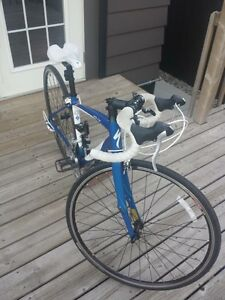 Specialized dolce 2011 road bicycle