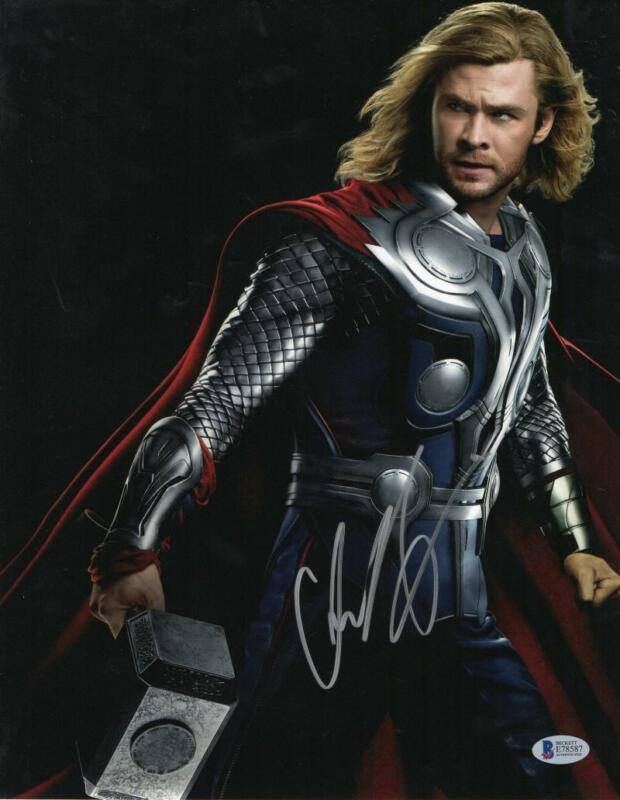 CHRIS HEMSWORTH THOR SIGNED 11X14 PHOTO THE AVENGERS AUTOGRAPH BECKETT COA C
