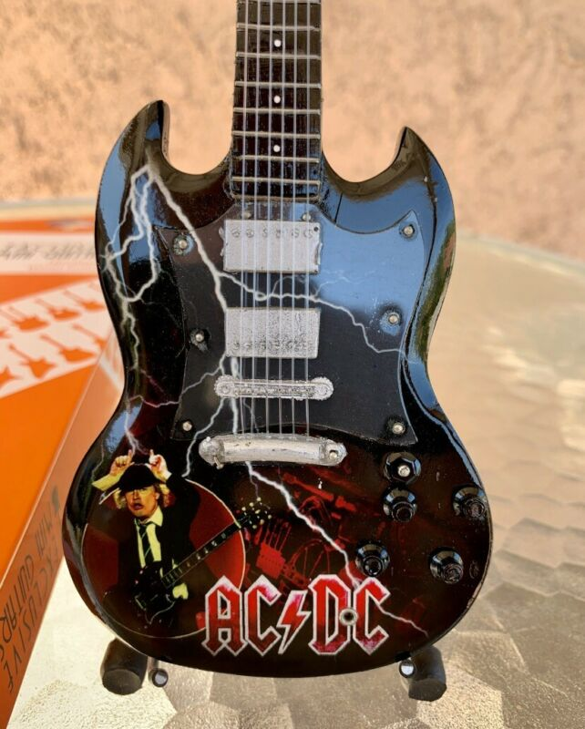 Angus Young / AC/DC - Exclusive Mini Guitars / 1:4 Scale