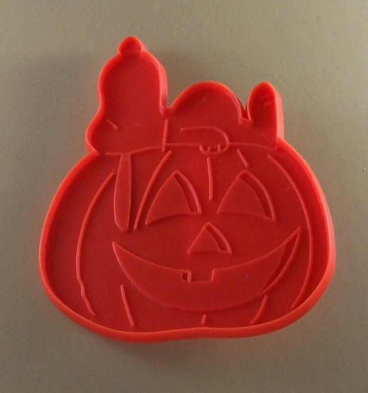 Vintage SNOOPY & THE GREAT PUMPKIN Cookie Cutter Perfect For Cookie Painting!