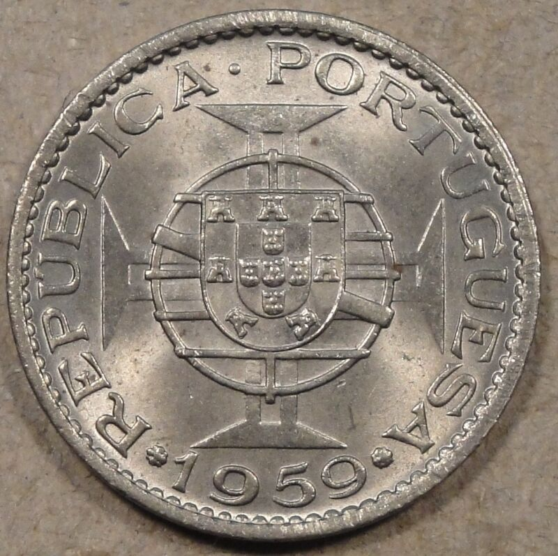 Portuguese India 1959 60 Centavos BU