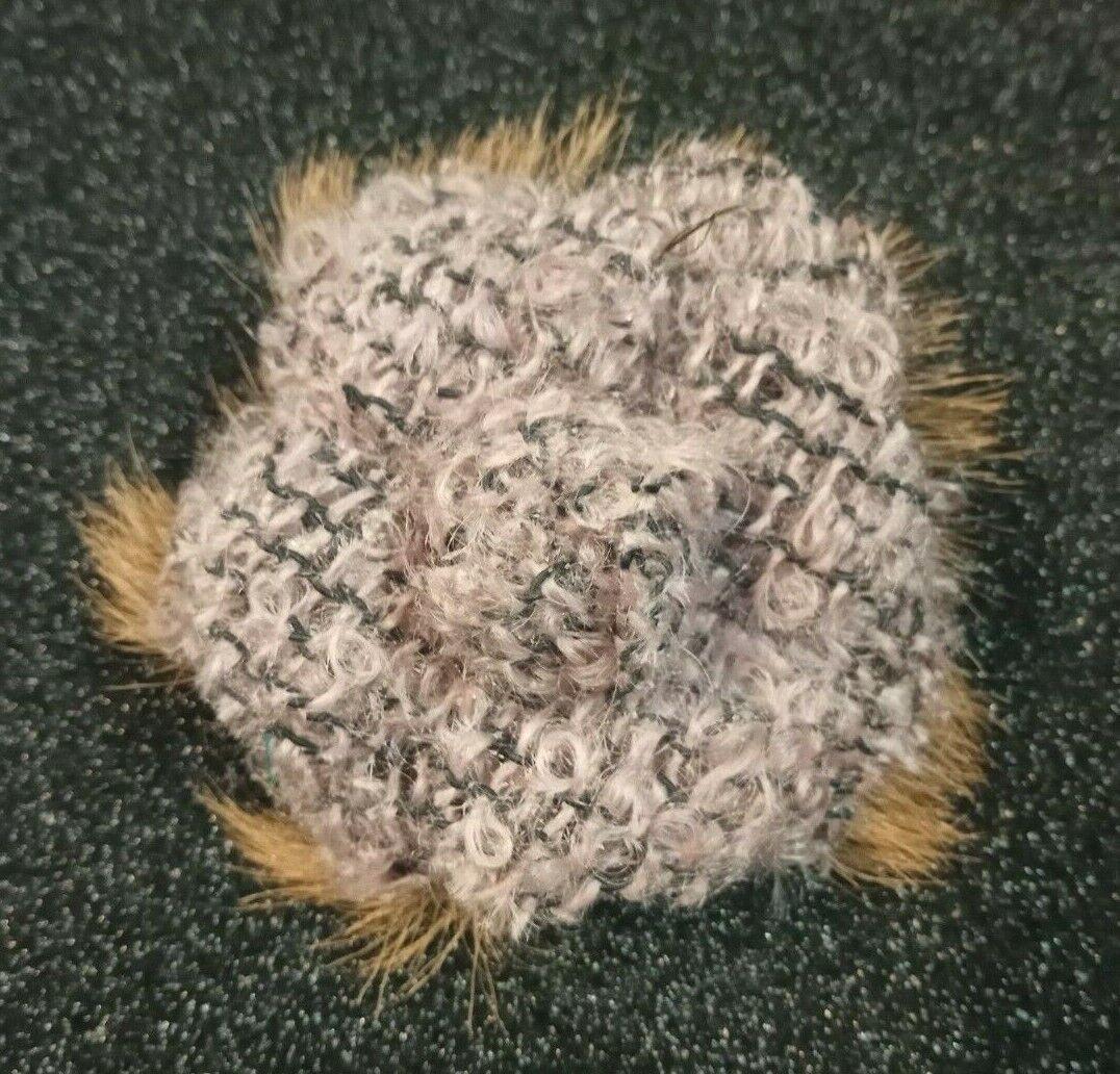 Chanel ravissante authentique broche camelia tweed et fourrure signée