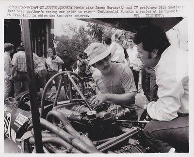 1969 Vintage Press Photograph James Garner  Dick Smothers   Quebec   Formula A