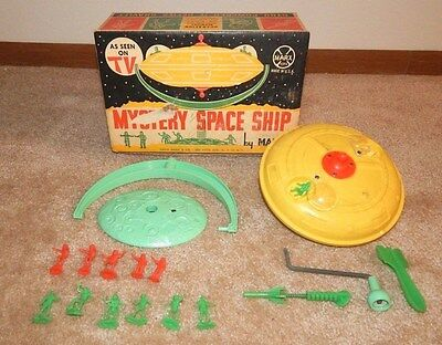 1960's Marx MYSTERY SPACE SHIP (Astronauts) ~ Made in USA