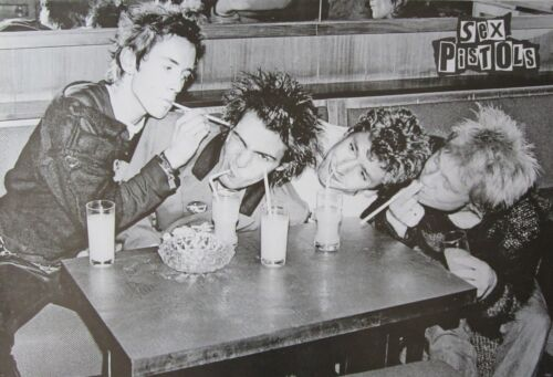 "SEX PISTOLS ""GROUP PLAYING AROUND AT THE DINER"" POSTER FROM ASIA - Punk Music"