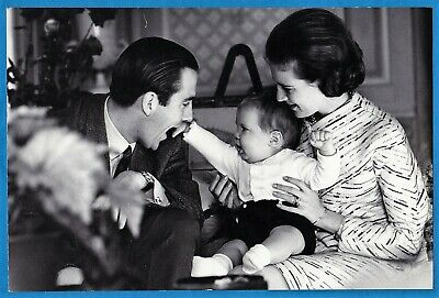 Magnum original Don McCullin large vintage photo Greece king Constantin 1967