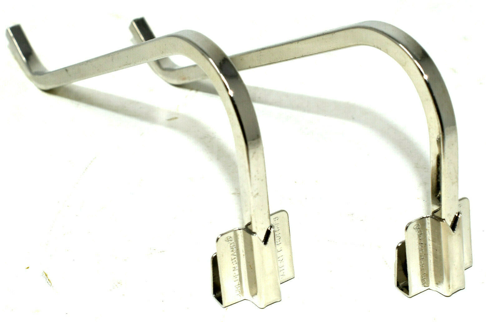 2 x GALLERY 125mm NICKEL CURL UP /& STAND SQUARE WIRE PICTURE FRAME PHOTO CLIP ON