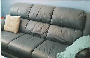 LEATHER 3 PIECE LOUNGE SUITE Nowra Nowra-Bomaderry Preview