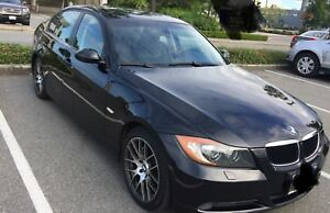 MUST SEE TO BELIEVE THIS BEAUTY, MINT COND 2007 BMW 328XI
