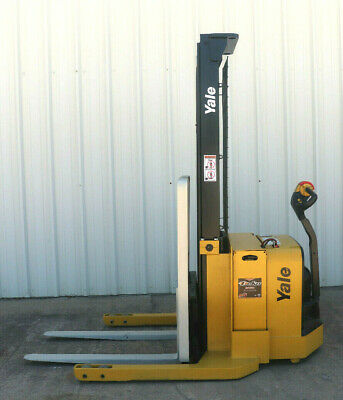 2008 Yale Walkie Stacker - Walk Behind Forklift - Straddle Lift Only 4842 Hours