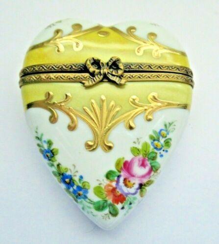Peint Main Limoges Trinket - Golden Heart Box
