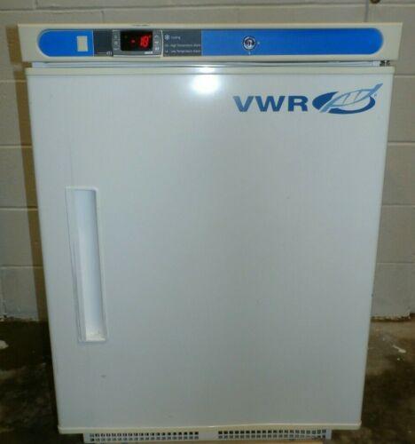 "VWR SCUCBI-0420AD Undercounter Lab Freezer, 4 cubic ft. capacity, 32""x24""x24"""