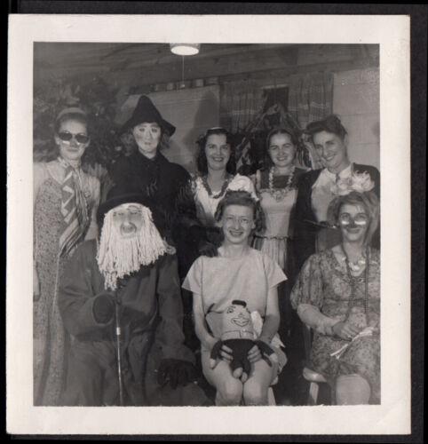 INSANE FREAK CLOWN & WITCH MASK HALLOWEEN COSTUME PARTY~ 1950s VINTAGE PHOTO