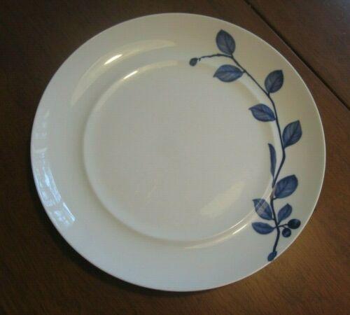 "Mikasa 10 3/4"" Dinner Plate Hard to Find True Blue Pattern"