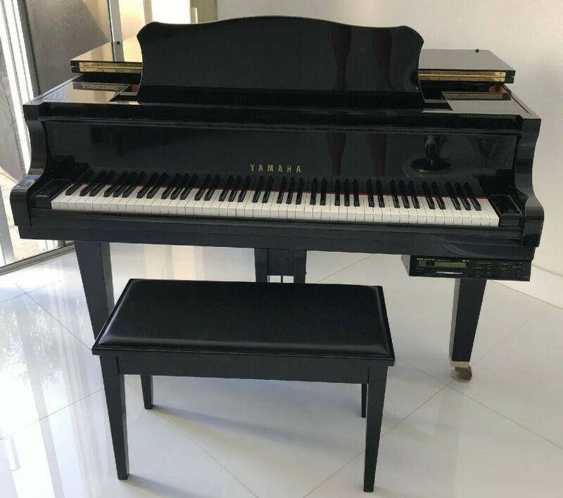 Yamaha DGP1XG  Disklavier Mark 11 BLACK Baby Grand Piano w/ Bench One Owner