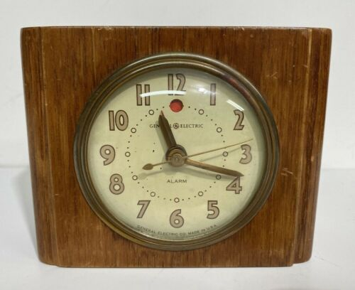 Vintage General Electric Alarm Clock 7H162 Deco Style Wood Block Made in USA
