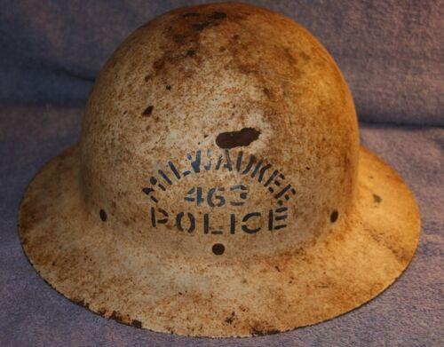 VINTAGE CITY OF MILWAUKEE POLICE HELMET WITH LINER