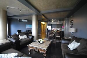 Penthouse, Amazing Views 27th floor in Icon Tower Furnished!