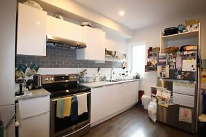 Beautiful 1 Bed + Den in Centretown West!!   September 1st