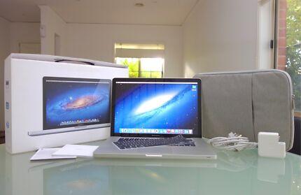 MacBook Pro 15in 2010 + 250SSD Core i5 NEW batt + AS NEW + POST