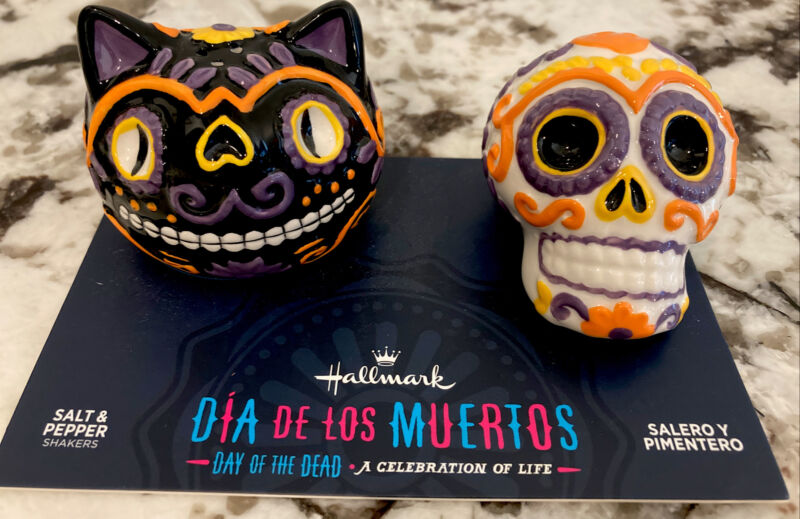 Hallmark Halloween Sugar Skull And Cat Salt and Pepper Shakers DAY OF THE DEAD