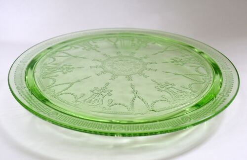 """Anchor Hocking Cameo/Ballerina Green Depression Glass 10"""" Footed Cake Plate"""
