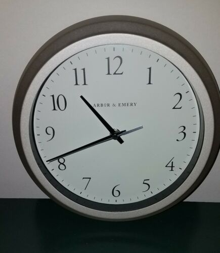 Arbor and Embry Analog Quartz  Battery operated Gray steel wall clock pre-owned