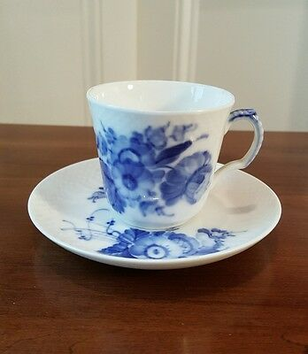 ROYAL COPENHAGEN DEMITASSE CUP & SAUCER BLUE WHITE FLORAL FLOWERS 1546 *PERFECT