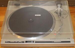 Pioneer PL-200 Direct Drive Auto Return Turntable Record Player