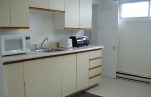 Metro Joulicouer 2 1/2 Apt. for rent available Aug. 1-st