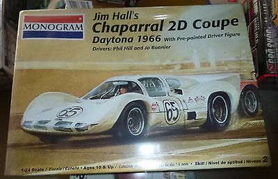 Monogram Jim Halls Chaparral 2D Daytona Coupe66 W Figure Model Car Mountain Fs