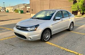 2010 Ford Focus Ses fully loaded