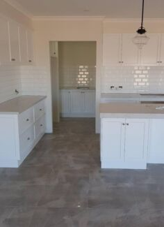 NEED A SPLASHBACK DONE ASAP?? CALL ME NOW....