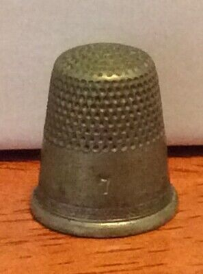 Vintage Thimble Size 7 no other markings?