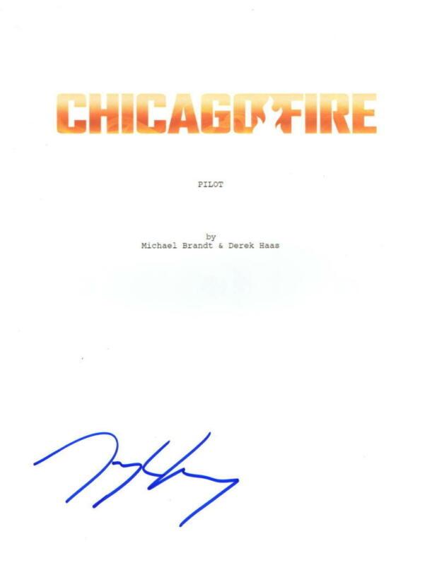 TAYLOR KINNEY SIGNED CHICAGO FIRE PILOT EPISODE SCRIPT AUTHENTIC AUTOGRAPH COA