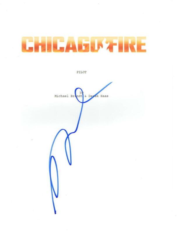 MONICA RAYMUND SIGNED CHICAGO FIRE PILOT EPISODE SCRIPT AUTHENTIC AUTOGRAPH COA