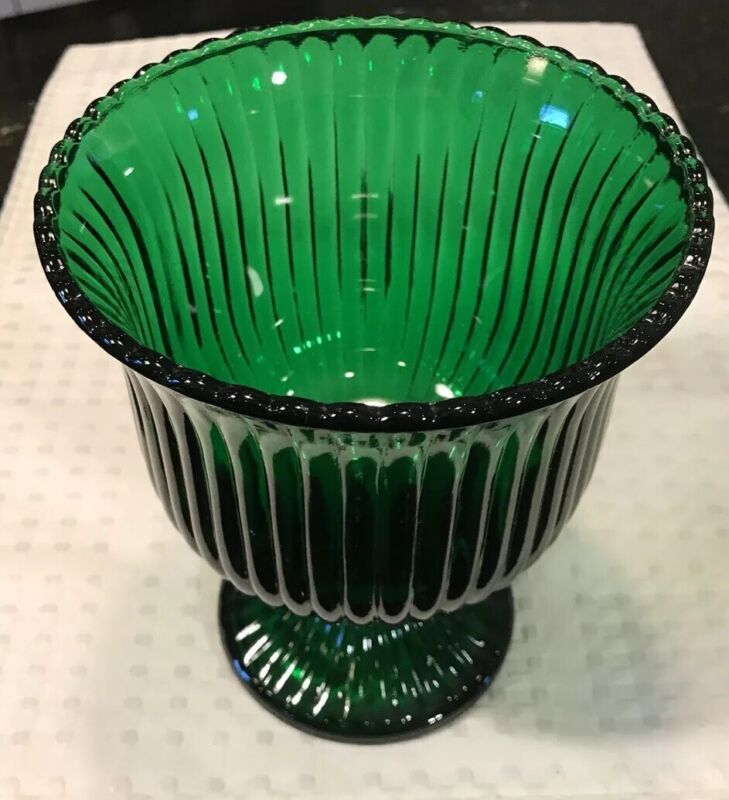 E.O. Brody Co. G102 Vintage green glass candy dish Pedestal Ribbed