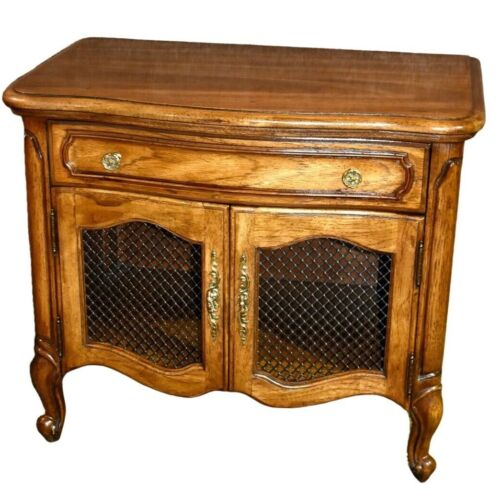 Vintage Thomasville Country French Style Nightstand w/Drawer