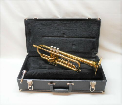Conn 20B USA Student Trumpet w/ 7C MP, Case, Cleaned, Good Valves, Ready to Play