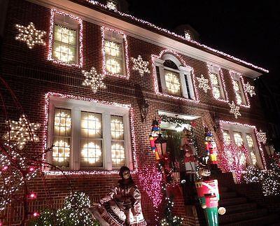 How to hang christmas lights on brick houses ebay for Creative ways to hang christmas lights indoors