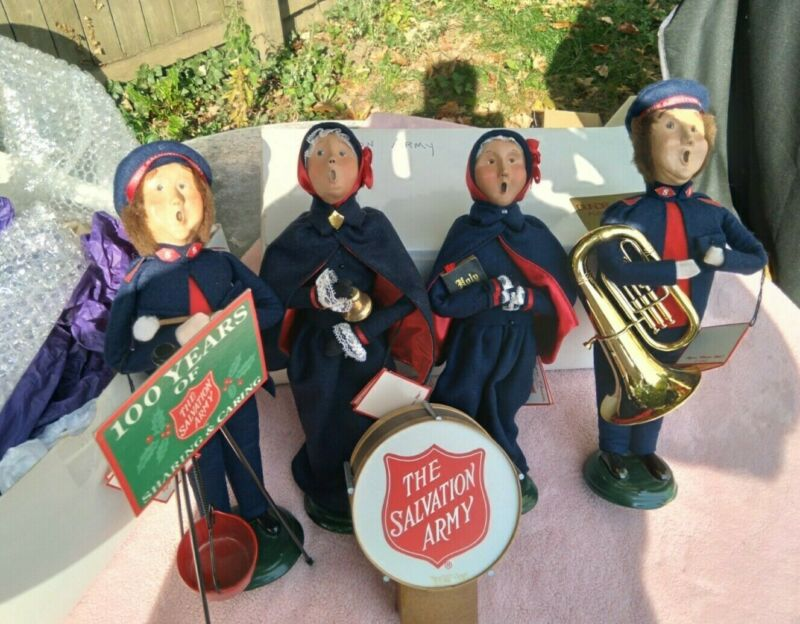 Byers Choice Carolers Salvation Army Lot of 4 Carolers with drum and kettle