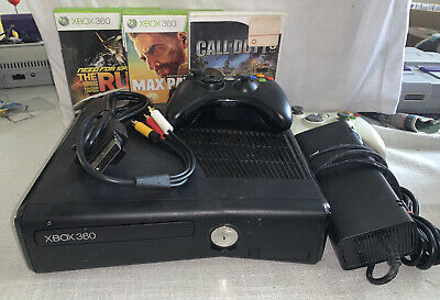 Xbox 360 4GB With 2 Controllers, 3 Games. Tested Working.
