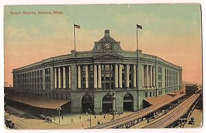 SOUTH-STATION-Bus-Train-Railroad-Boston-MASSACHUSETTS-POSTCARD-Unused-FREE-SHIP